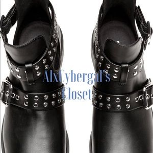 Edgy Ankle studded Boots🌹